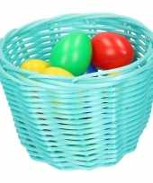 Hobby turquoise blauw paasmandje gekleurde eieren