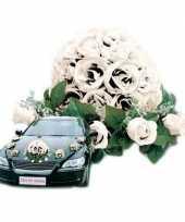 Hobby wit bloemstuk auto bruiloft versiering